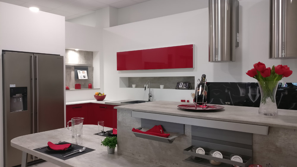 Cuisines rouges showroom